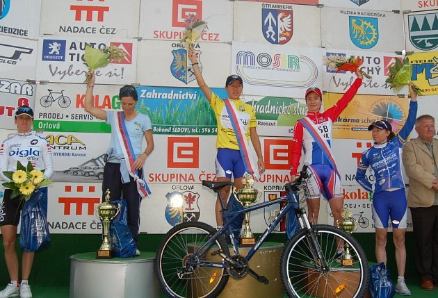 Nejlepší cyklistky letošního ročníku. První Worrack, druhá Luperini, třetí Vos, čtvrtá Neben a pátá Brändli (zcela vlevo).