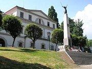 Památník polským obětem válečného konfliktu o území Těšínska v polském Těšíně