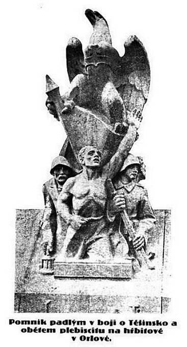 Socha na orlovském památníku, kterou zničili Poláci při útoku v roce 1938