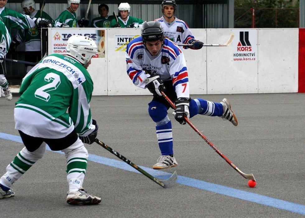Karvinští hokejbalisté se loučí s pohárovou soutěží.