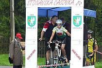 Na startovní rampu Stonavské časovky se postavilo 105 cyklistů.