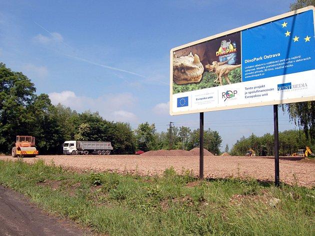 Stavba Dinoparku v Doubravě