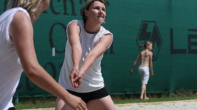 V sobotu proběhne na kurtech letního koupaliště v Karviné další podnik plážového volejbalu.