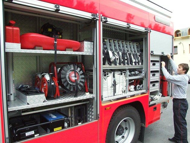 Nový zásahový automobil havířovských hasičů