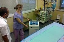 Personál ARO havířovské nemocnice má nyní k dispozici vlastní přístroj pro hypotermii