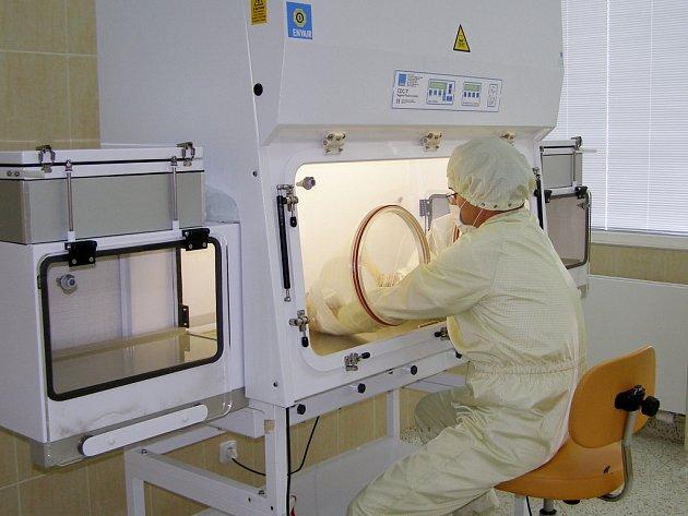 Havířovská nemocnice se pyšní novým špičkovým superčistým pracovištěm na přípravu cytostatik.
