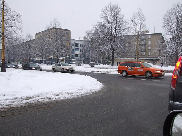 Taxikářům se nelíbí nové podmínky pronájmu vyhrazených míst