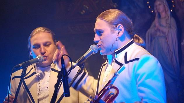 Golec Uorkiestra koncertovali ve stonavském kostele