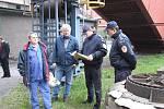 Cvičení hasičů na Dole Lazy se konalo pod dohledem velitelů a zástupců šachty.
