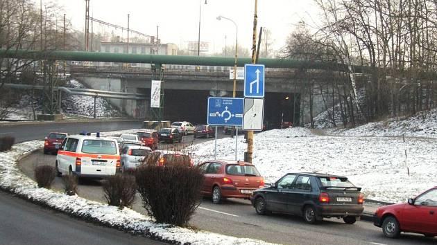 Levý pruh více využívají zkušenější řidiči a profesionálové.