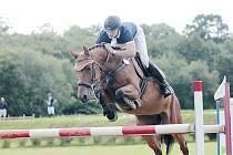 Vítězný Marek Hentšel se svým koněm.