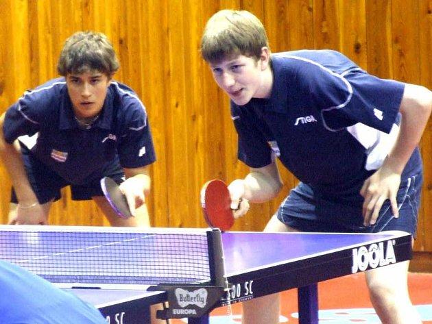 Tým stolních tenistů Baníku Havířov táhli Pavel Širůček (vpravo) a Vojtěch Štrof.