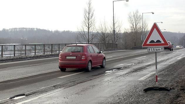 Silnice jsou po zimě děravé