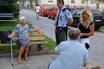 Policie si společný projekt s terénními sociálními pracovníky pochvalují. Funguje od sklonku loňského léta.