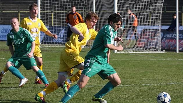 Elvist Ciku (u míče) rozhodl jediným gólem utkání na Spartě B.