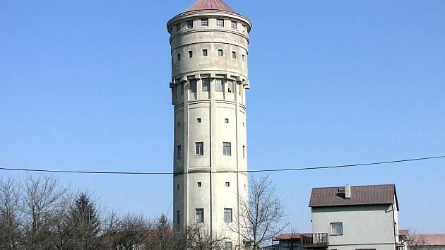 Vodárenská věž v Karviné-Hranicích v březnu 2011.