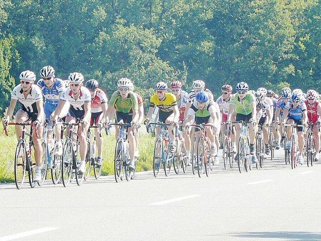 Velké ceny Lašska, která byla třináctým kolem Slezského poháru amatérských cyklistů, se zúčastnilo 124 závodníků.