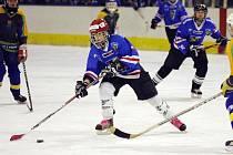 Karvinské hokejistky stojí dva krůčky od bronzových medailí.