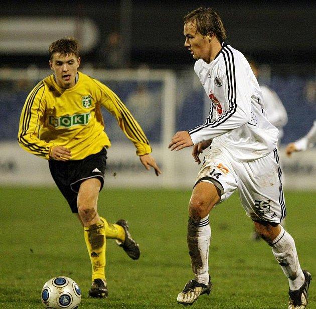 Tomáš Jursa (vlevo) půjde v lednu zřejmě na testy do prvoligového Brna.
