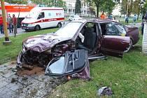 Nehoda dvou osobních vozidel na Studenstké ulici