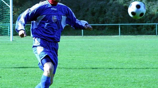 Fotbalisté Orlové si připsali na Valašsku desátou výhru v soutěži.