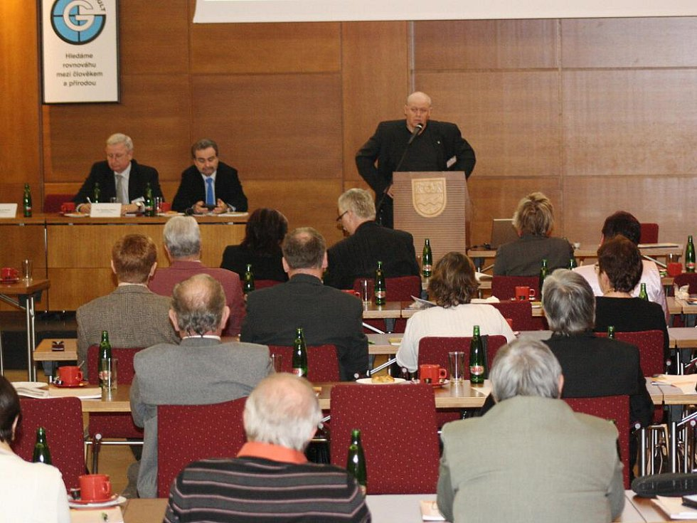 Konference o revitalizaci průmyslem a těžbou zasaženého území