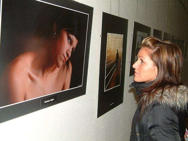 Snímky členů orlovského Fotoklubu jsou k vidění v DKMO až do 15. prosince.