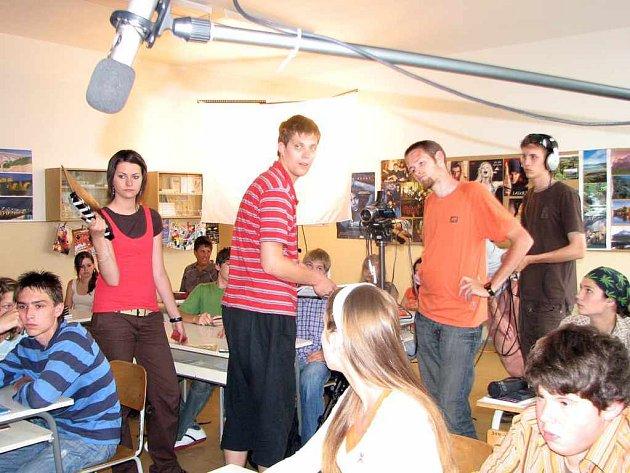 První záběry se natáčely v ZŠ Pujmanové.