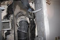 Špatná krbová vložka byla příčinou požáru domu v Havířově-Životicích. Dřevostavba rodinného domu hořela 9. února kvůli špatné krbové vložce.