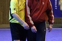 Házenkáře Havířova loni posílil mistr republiky s Karvinou Roman Konečný (vlevo). Tým letos již bojuje ve II. lize!