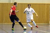 Sálovkáři Stonavy získali v Poličce čtyři body proti předním týmům soutěže.