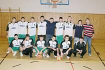 Basketbalisté Sokola podávají v oblastním přeboru obstojné výkony.