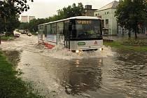 Přívalový déšť zaplavil některé ulice v Havířově