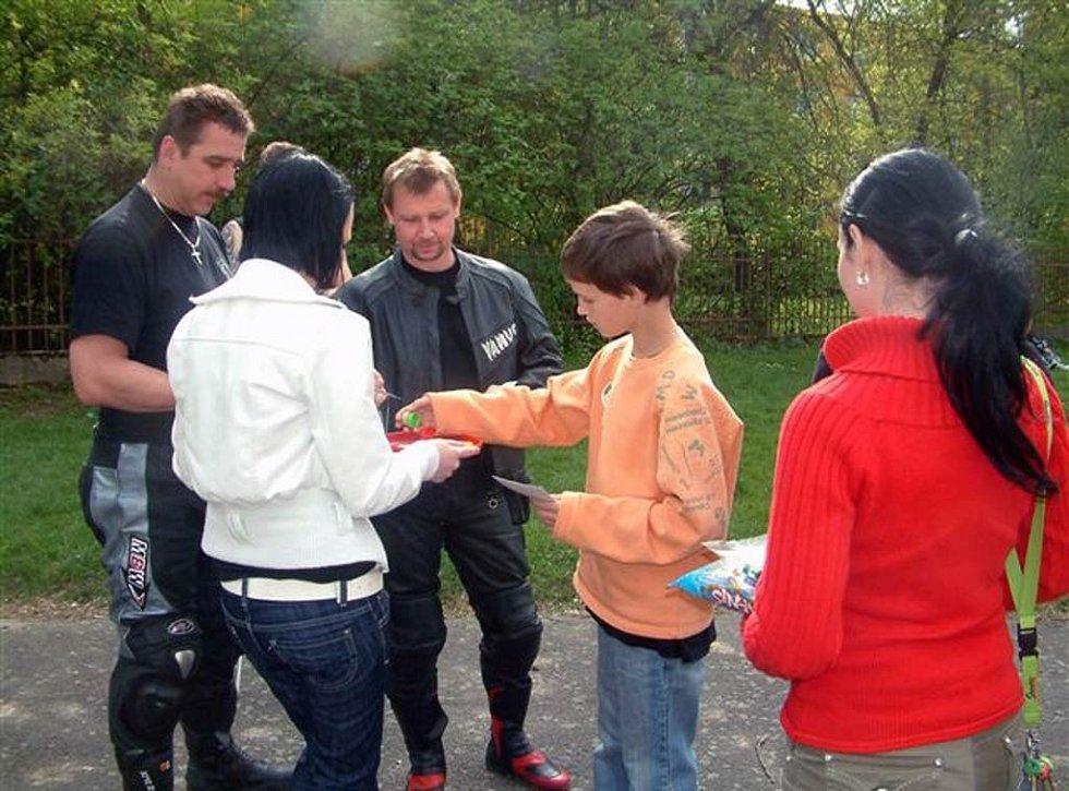 Motorkáři z Havířova připravili krásné zážitky dětem z dětského domova