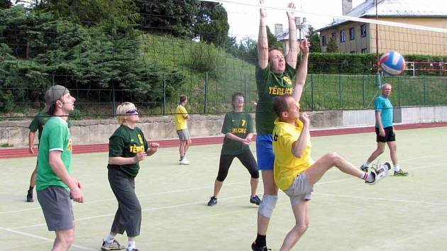 Tradiční volejbalový turnaj měl favorita v podobě domácího družstva, které vyhrálo předchozí dva ročníky. Nyní se muselo spokojit s druhým místem.