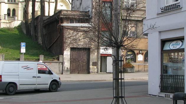 Prodejna optiky na Starém náměstí v Orlové, kterou navštívil zloději.