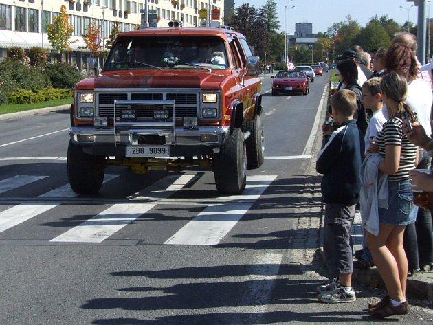 Americká vozidla projela centrem Havířova.