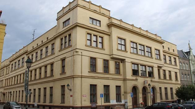 Bývalá pošta na Masarykově třídě v Opavě. Ilustrační foto.