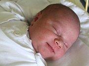 Kateřina Moravcová se narodila 12. července, vážila 4,16 kilogramů a měřila 53 centimetrů. Rodiče Pavla a Michael z Kobeřic jí přejí zdraví, štěstí a lásku. Na Kačenku už doma čeká bráška Martin.