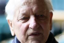 Josef Laton z Bohuslavic sloužil za války ve wehrmachtu. Co to znamenalo a jak to prožíval? O tom vypráví spolu s ostatními v dokumentu nazvaném Sloužil jsem ve wehrmachtu.