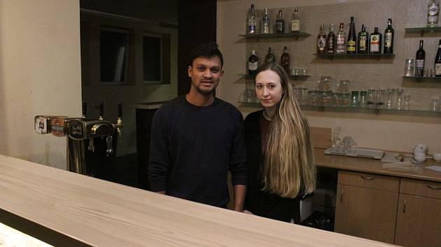 Satveer Singh a Jana Barvínková nejsou jen pracovními, ale také životními partnery.