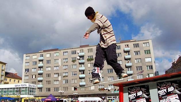 V sobotu dopoledne patřilo Horní náměstí v Opavě snowboardistům.