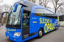 Slavnostní křest nového autobusu.