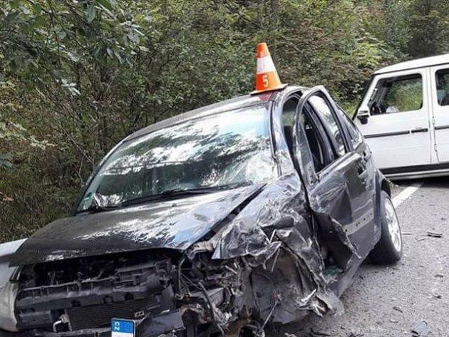 Byť přiložený snímek může svědčit o opaku, dopravní nehoda, ke které došlo ve čtvrtek po třetí hodině odpolední na Vítkovsku, si nevyžádala žádná vážná zranění.
