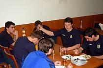Ve středu se opavským fotbalistům na herním soustředění v Břeclavi lámal týden. Program byl volnější.