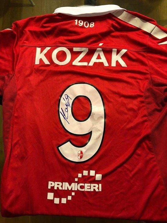Libor Kozák - podepsaný dres Bari.