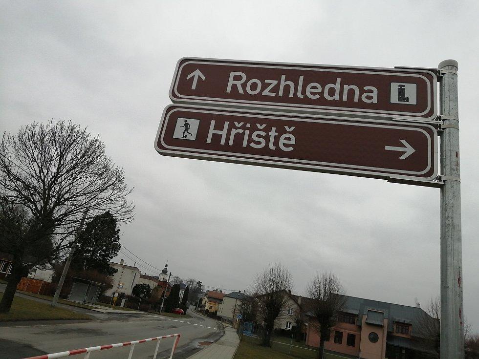 Obec Stěbořice.