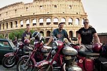 Pavel Dobřecký s kamarády navštívili i slavné Koloseum v Římě.