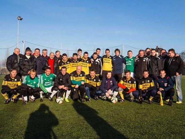 Sobotní odpoledne se neslo v Hlučíně ve fotbalovém duchu. Lumír Kot, místní fotbalová ikona, pořádal tradiční Fotbalové vánoční potěšení.