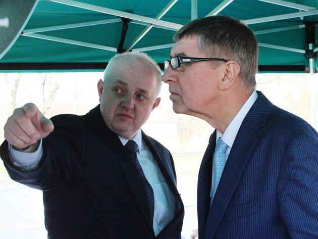 Andrej Babiš se na návštěvě v Hlučíně seznámil také s projektem revitalizace tamního jezera.
